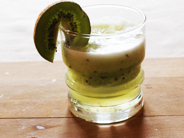 recette de boisson detox pomme kiwi au companion avec le. Black Bedroom Furniture Sets. Home Design Ideas